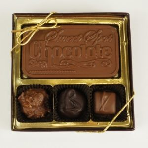 Clear Top 3 Piece Assorted Chocolates with Bar