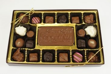 Clear Top 20 Piece Assorted Chocolates with Bar