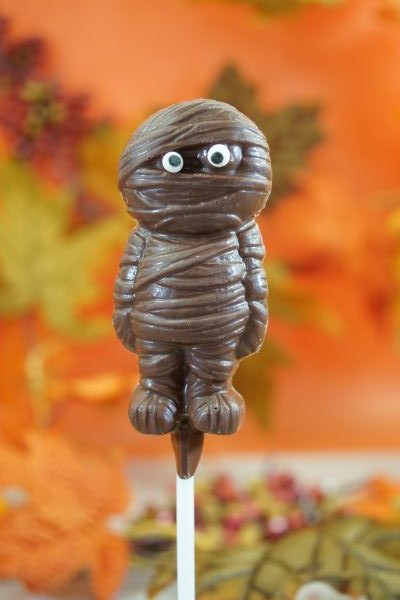Sweet Spot Chocolate Shop Milk Chocolate Mummy o n Stick
